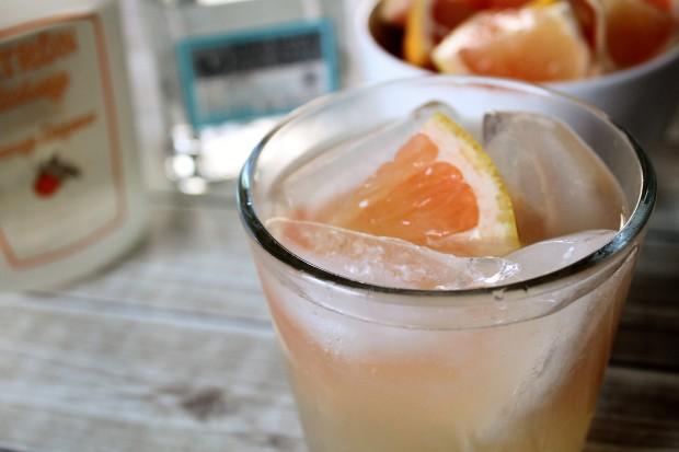 Grapefruit Margarita | Bake. Create. Love.