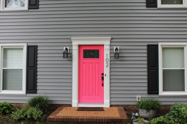 grey-house-pink-front-door-3